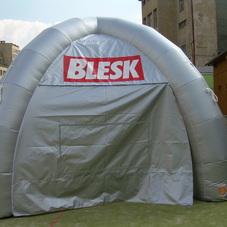 Aufblasbares Zelt Blesk