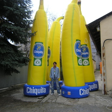 Inflatable bananas Chiquita