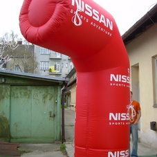 Inflatable half-arch Nissan