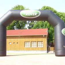 Inflatable arch Land Rover