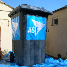 Inflatable bin