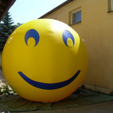 Inflatable sphere smile