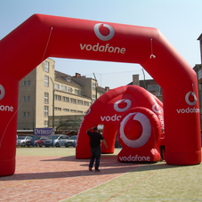 Inflatable arch Vodafone