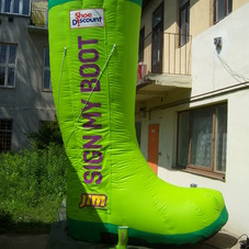 Inflatable boot