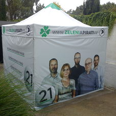 Folding tent Pirate party